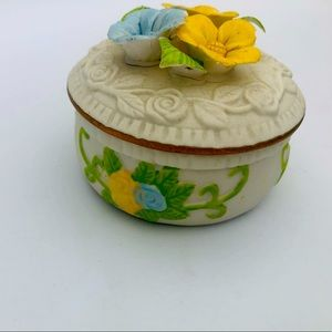Collectible Cute little ceramic Jewellery box